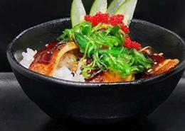 Geflambeerde paling met witte rijst