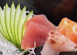 Mix van rauwe vis